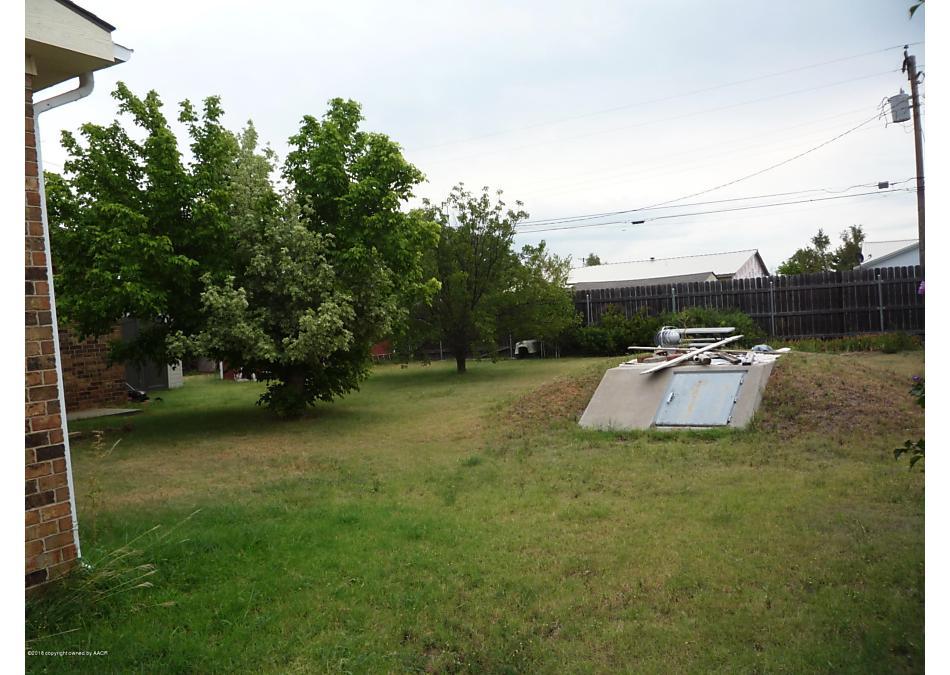Photo of 309 Farmer Ave Stinnett, TX 79083