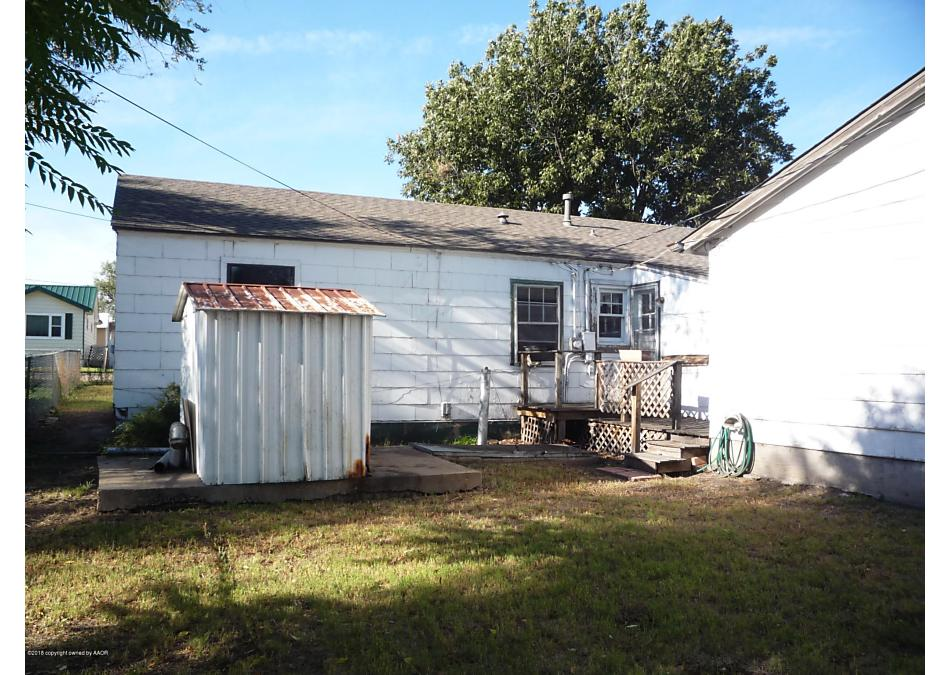 Photo of 215 Hickory St Borger, TX 79007
