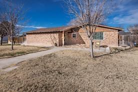Photo of 410 HOLMAN LN Canyon, TX 79015