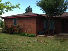 Photo of 620 Johns St Clarendon, TX 79226