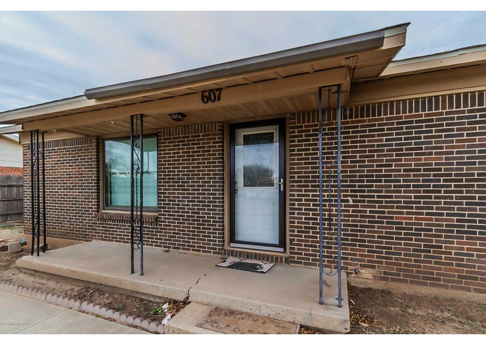 Photo of 607 Cornell Ave Fritch, TX 79036