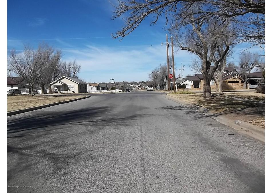 Photo of 728 Bradley Dr Pampa, TX 79065