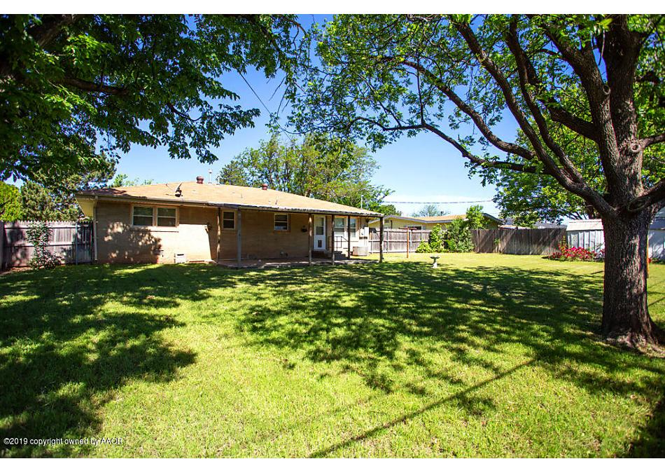 Photo of 1708 DOGWOOD LN Pampa, TX 79065