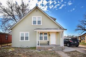 Photo of 1306 1st St Dalhart, TX 79022