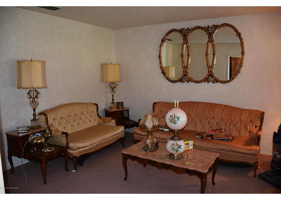 Photo of 723 Oak St Dimmitt, TX 79027