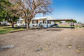 Photo of 1200 Mulberry Lane Plainview, TX 79072