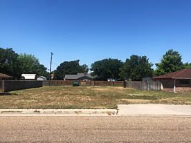 Photo of 1216 Bennett Dr Dumas, TX 79029