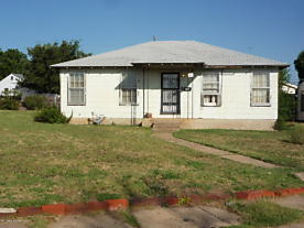 Photo of 1401 Turner St Borger, TX 79007