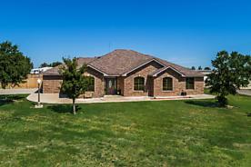 Photo of 402 Lariat St Stinnett, TX 79083