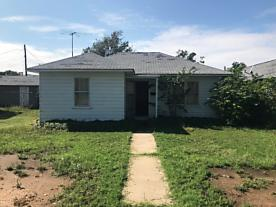 Photo of 1016 Mcgee St Borger, TX 79007