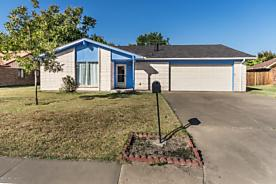 Photo of 515 Pear Ave Dumas, TX 79029