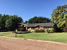 Photo of 110 Adeeba Lane Childress, TX 79201