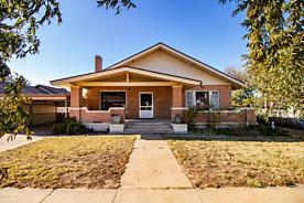 Photo of 410 Carhart Clarendon, TX 79226
