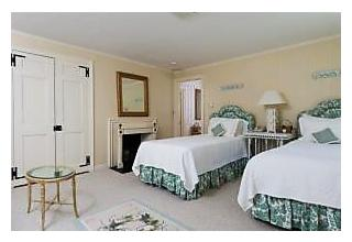 Photo of 109 Gansett Road Woods Hole, MA 02543