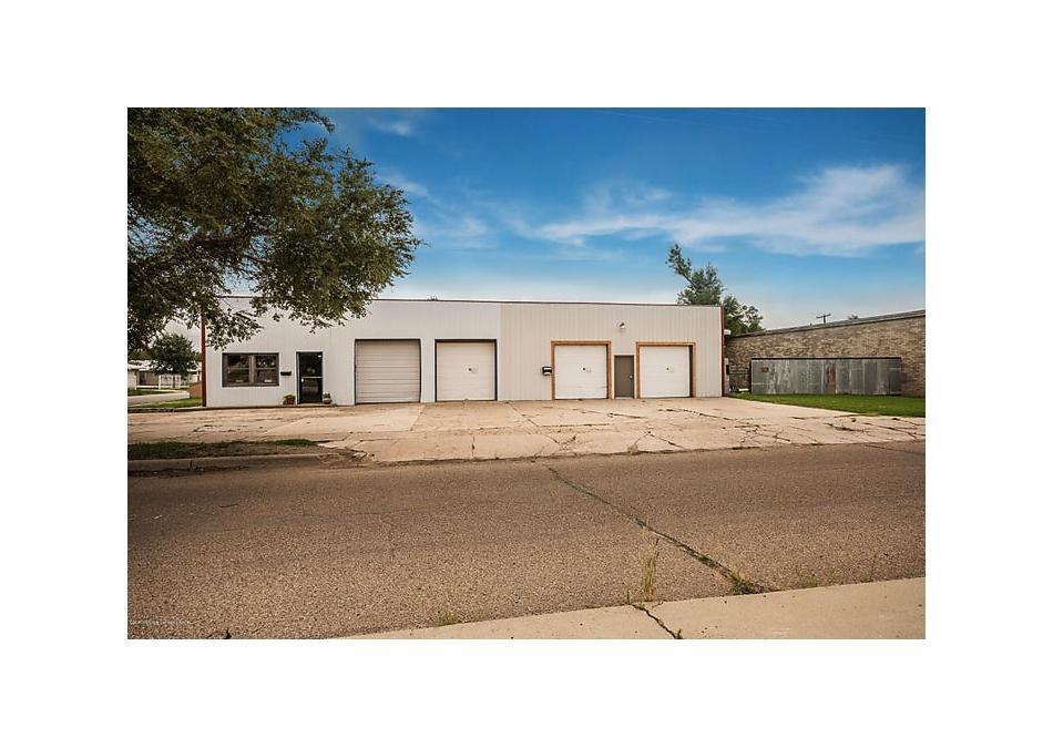 Photo of 901 Barnes St Pampa, TX 79065