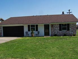 Photo of 102 Wilshire St Borger, TX 79007