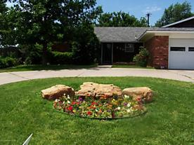 Photo of 220 Concord St Borger, TX 79007