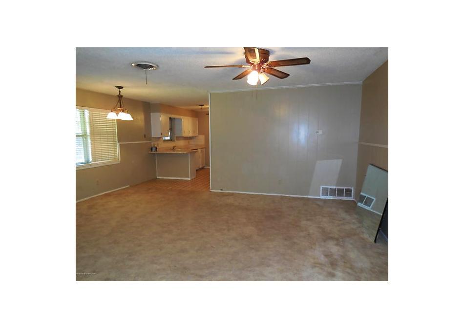 Photo of 911 S Madden St Shamrock, TX 79079