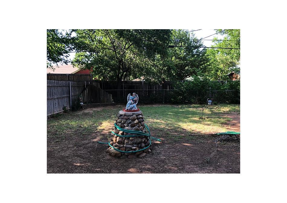 Photo of 3720 Fountain Ter Amarillo, TX 79106