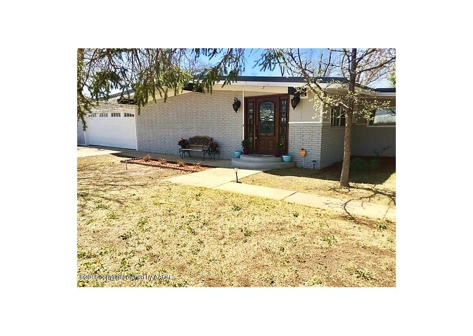 Photo of 800 Townsend St Spearman, TX 79081