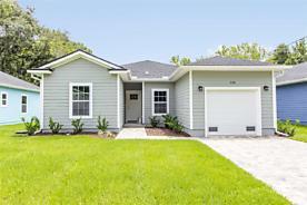 Photo of 206 N Orange St Hastings, Florida 32145