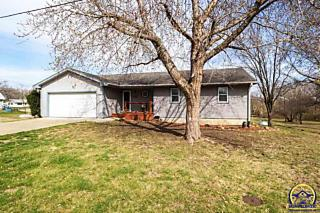 Photo of 402 Mckeage Ave Hoyt, KS 66440