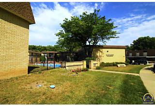 Photo of 2922 Sw Lydia Ave Topeka, KS 66614