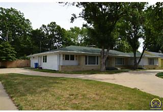 Photo of 3632 Sw Windsor Ct Topeka, KS 66604