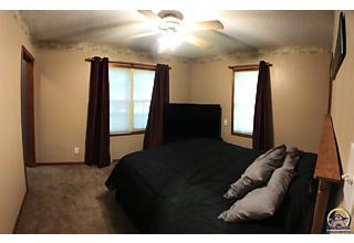 Photo of 835 Sw Randolph Ave Topeka, KS 66606
