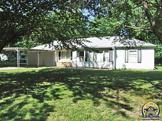 Photo of 2345 Sw Wayne Ave Topeka, KS 66611
