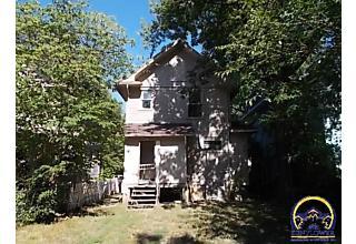 Photo of 1275 Sw Washburn Ave Topeka, KS 66604