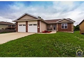 Photo of 1737 Sw Ancaster Rd Topeka, KS 66615