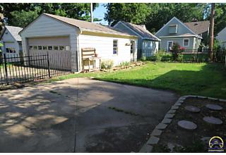 Photo of 3023 Sw Clark Ct Topeka, KS 66604