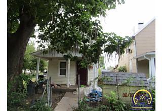 Photo of 403 Se Liberty St Topeka, KS 66607