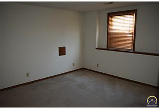Photo of 3548 Sw Willow Brook Dr Topeka, KS 66614