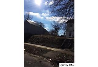 Photo of 539 Monroe Quincy, IL 62301