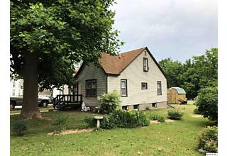Photo of 329 Fairground Mt. Sterling, IL 62353
