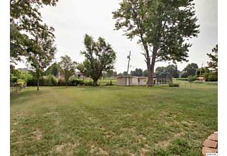 Photo of 3006 Riverside Terrace Quincy, IL 62305