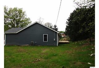 Photo of 2435 Cedar Creek Ct Quincy, IL 62305