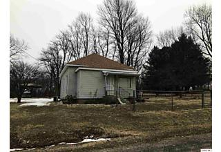 Photo of 334 N Lindsey Versailles, IL 62378