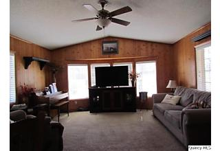 Photo of 1820 E County Road 1540 Carthage, IL 62321