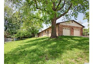 Photo of 2736 Midlan Dr. Quincy, IL 62301