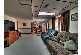 Photo of 1605 Coach House Court Quincy, IL 62305