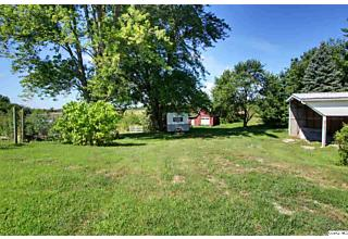 Photo of 725 E County Road 550 Sutter, IL 62373