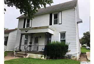 Photo of 820 Madison St Quincy, IL 62301