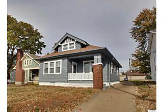 Photo of 2033 Broadway Quincy, IL 62301