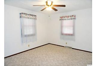 Photo of 1131 S 26th St Quincy, IL 62301