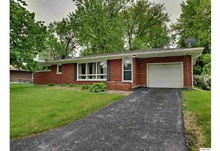 Photo of 726 N Hilltop Drive Quincy, IL 62305