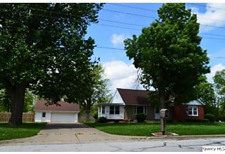 Photo of 1420 S 28th Street Quincy, IL 62301