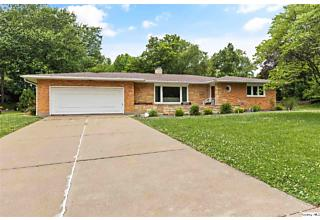Photo of 914 Country Club Drive West Quincy, IL 62301